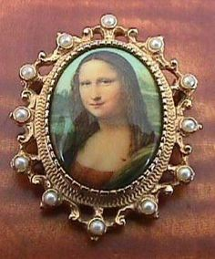 Vintage Sarah Coventry Mona Lisa Pin Pendant by ALEXLITTLETHINGS