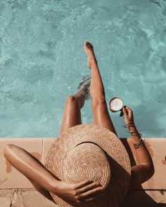 Pool time ☀️ // #get #tan