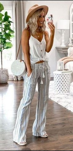 Check out 2019 outfit ideas for women to get into the rhythm this year! Be inspired by the latest trends of the season, fashion, styles, looks, fashion accessories, beauty, and lifestyle. Check Most Trending Outfit Ideas for Women.