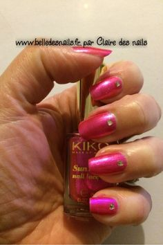 #nailart éclat de rose - Belle des nails #nail #nails #pink #rose #strass #manicure #www.belledesnails.fr