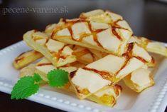 Lístkové tyčinky s bielkovou polevou (Sfogliatine glassate alebo Piacelli) Treats, Ethnic Recipes, Sweet, Food, Basket, Sweet Like Candy, Candy, Goodies, Essen