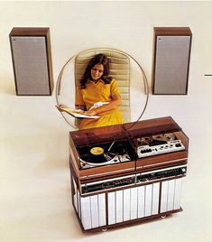 Vintage Stereo Console  http://www.pinterest.com/0bvuc9ca1gm03at/