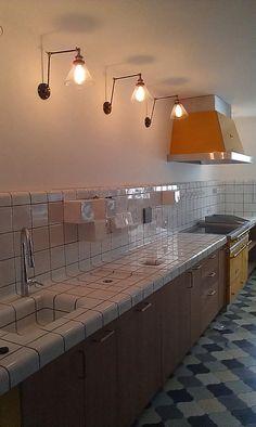 Bucaresti Cafe Restaurant, Kitchen Sink, Ideal Home, Tiles, Sweet Home, Wall Lights, House Design, Flooring, Kitchenaid