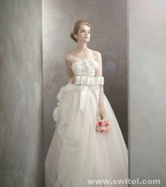Spectacular O luxo acess vel White by Vera Wang