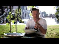 Jamie Oliver in Venice Italy [Jamie does Venice] https://www.youtube.com/watch?v=_8gmF638tto