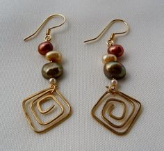 Tri-color Pearl Earrings with Wire Design