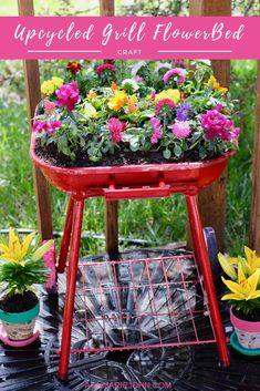 Turn your old grill into this upcycled grill flowerbed and beautify your space. Turn your old grill into this upcycled grill flowerbed and beautify your space. Garden Yard Ideas, Diy Garden Projects, Garden Crafts, Lawn And Garden, Spring Garden, Garden Planters, Unique Garden, Vintage Garden Decor, Raised Garden Beds