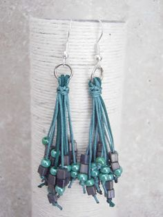 ANABE: Earrings with seed beads - picture only