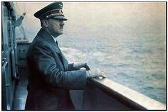 Adolf Hitler an Bord eines KDF Schiffs Marie Curie, Walter Model, Steve Jobs, German Soldiers Ww2, Germany Ww2, War Comics, Military Modelling, The Third Reich, Einstein