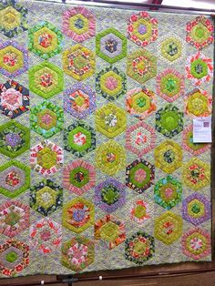 Blue Mountain Daisy: Fresh As A Daisy Shared by www.nwquiltingexpo.com @nwquiltingexpo #nwqe #quilting