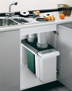 recycling and compost to cans below counters! Otwory na odpadki przy Countertop recycling and compost to cans below counters! Otwory na odpadki przy . -Countertop recycling and compost to cans below counters! Otwory na odpadki przy . Kitchen Room Design, Modern Kitchen Design, Home Decor Kitchen, Interior Design Kitchen, Kitchen Furniture, New Kitchen, Home Kitchens, Kitchen Ideas, Kitchen Grey
