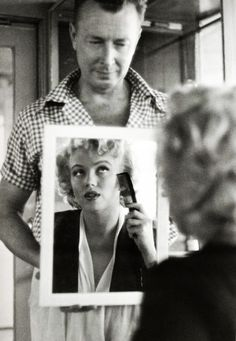 "Marilyn with her personal makeup artist Allan ""Whitey"" Snyder on the set of 'Niagara', 1953. S)"