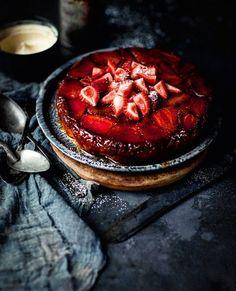 Because real men eat cake. For dinner. Upside-down wild strawberry angel food cake. #Brilliant  Courtesy: What Kate Ate | @whatkateate . . . . . Blog: http://ift.tt/1vCV6pv  #howtonotdie #saveanimalseatplants #forksoverknives #forkyeah #pielikeaboss #pie #cake #realfood #foodbeast #foodstagram #foodgasm #recipe #instagood #food #sexy #sexytime #dessert #dessertfordinner #fruit #blue #strawberry #strawberries #icecream #sweettooth #puremichigan #dudeswhobake #baking #manstuff…