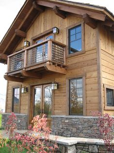 The Cantilevered Balcony House With Porch Balcony