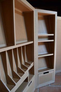 Détail niches de rangement sur-mesure en carton - SG Mobilier Carton