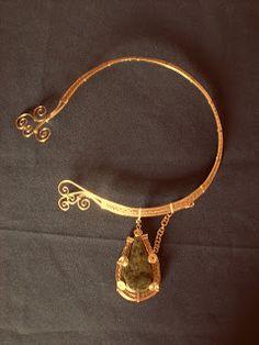 Maintenant une nouvelle page, les production d alambre (bracelets, colliers et autres choses un peu etranges... En esperant que cela v...
