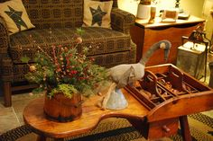 LOVE the bucket Table Decoration!! Primitive Country Christmas