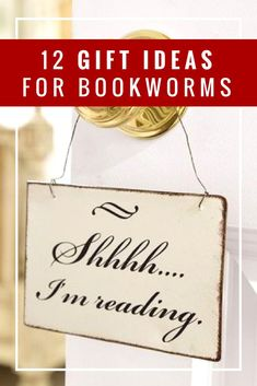 12 gift ideas for bookworms, including Christmas gift ideas that you can DIY.