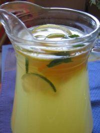 Limonade libanaise Non Alcoholic Drinks, Cocktail Drinks, Cold Drinks, Yummy Drinks, Cocktails, Lebanese Desserts, Lebanese Cuisine, Lebanese Recipes, Arabian Food