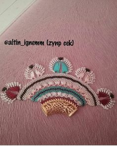 This Pin was discovered by Nur Needle Lace, Needlepoint, Hand Embroidery, Diy And Crafts, Weaving, Brooch, Jewelry, Pom Poms, Lace