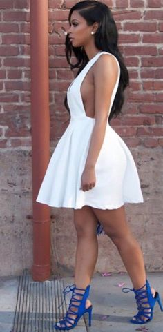 White Plain Pleated Zipper Plunging Neckline Mini Dress