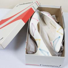 White Contempos! pumps with neon stitching. - size 9.5 - show wear on the sole - minimal wear on the shoe