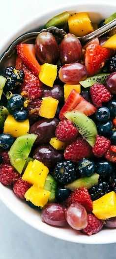 Blackberry Lime Fruit Salad from The Best Fruit Salad Recipes Best Fruit Salad, Fruit Salad Recipes, Fruit Salads, Jello Salads, Healthy Snacks, Healthy Eating, Healthy Recipes, Fruit Dishes, Best Fruits