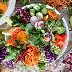 Descubra maneiras de mudar seu estilo de vida: dicas de perda de peso e dicas para ajudá-lo a perder o peso corporal. Increase Appetite, Food Advertising, Snack Recipes, Healthy Recipes, Healthy Food, Eat To Live, Nutrition, Looks Yummy, Food Industry