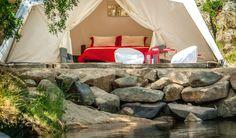 Uma tenda e uma cama de casal no Alentejo