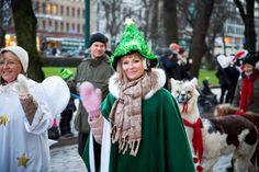 Helsinki, Finland. Opening of Aleksanterinkatu Christmas Street 2013.Photos by artofpics.com #Christmas #Helsinki #Alpaca #ChristmasTree