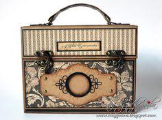 Using the Prima gatefold album, great idea *ClayGuana: Graphic 45 Craft Reflections Suitcase Vintage Style Mini Album