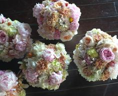 bouquets that look like big bowls of the most heavenly ice cream:: scoops of peach and pink and the subtlest mint.