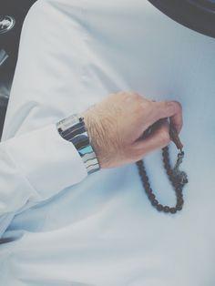 thehijabworld.com Muslim Images, Muslim Pictures, Islamic Pictures, Fake Pictures, Profile Pictures, Muslim Beard, Muslim Men, Arab Men Dress, Arab Men Fashion