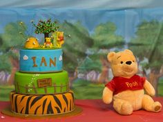 winnie the poo party decorations | Found on catchmyparty.com