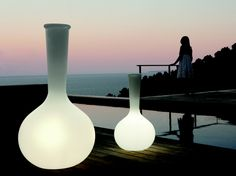 CHEMISTUBES, a collection of LED -lighted vases designed by the Italian architect Teresa Sapey for the spanish brand VONDOM. CHEMISTUBES, is based on the decontextualization, through the increasing of size (intervention in scale), the use of different materials to the original one (in this case, the ecological material of resin of polyethylene by the technique of rotational molding)...What was a laboratory container before, is now a decorative element.