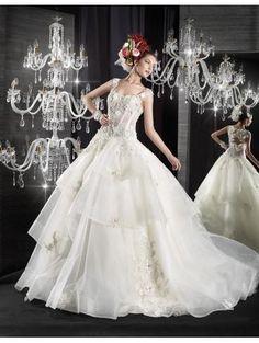 Robe de mariée femme princesse en tulle pailletés cristal avec bretelles