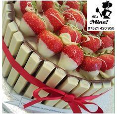 White Chocolate kitkat cake via instagram caseypearsall Cake