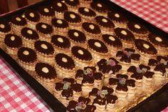 Aby se čokoládová poleva leskla