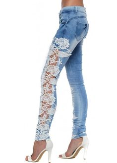 add width to leg with another fabric would be cute as well Lace Jeans, Jeans Denim, Denim And Lace, Sexy Jeans, Denim Fashion, Look Fashion, Girl Fashion, Fashion Outfits, Womens Fashion