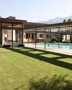 Palm Springs Villa Rental: Twin Palms Sinatra Estate- Spectacular Mid-century Architecture With Unique Pool Palm Springs, Hot Springs, Architecture Design, Residential Architecture, Beautiful Buildings, Beautiful Homes, Villas, Cities, Modernism Week