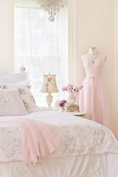 Shabby Chic Home Interiors – Decorating Tips For All Shabby Chic Mode, Estilo Shabby Chic, Shabby Chic Cottage, Vintage Shabby Chic, Shabby Chic Style, Shabby Chic Decor, Romantic Cottage, Romantic Homes, Rose Cottage
