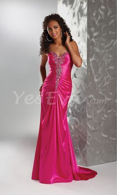 Luxurious Strapless Sweetheart Evening Dresses with Embellished Bust.$159.45