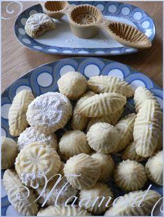Ou invitation au voyage: le Moyen-Orient. Le Maâmoul est un délicieux biscuit libanais que les les familles chrétiennes préparent pour les fêtes de Pâques. Les moules des maâmouls, traditionnellement en bois permettent la confection de maamouls de différentes...