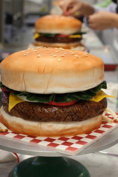 Hamburger Cake                                                       …