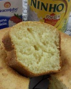 O Bolo de Leite Ninho Simples é fofinho, delicioso e fácil de fazer, pois ele é feito no liquidificador, rapidamente, e não dá o menor trabalho. O resultado é um bolo de leite ninho macio e saboroso, perfeito para o café da tarde da sua família. Confira a receita e faça hoje mesmo! Pan Dulce, Love Is Sweet, Cupcake Cookies, Banana Bread, Bakery, Sweet Treats, Good Food, Food And Drink, Sweets