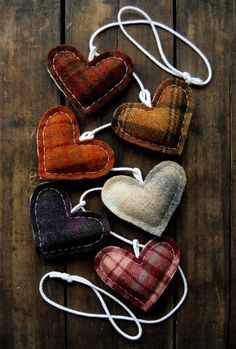 What a cute way to use scraps of cloth!   ~~ Houston Foodlovers Book Club