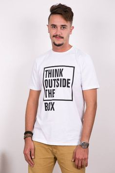 TSHIRT THINK OUT SIDE THE BOX