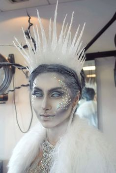 [ Halloween Makeup : Illustration Description Ice Queen Crown in Clothes, Shoes & Accessories, Fancy Dress & Period Costume, Accessories Costume Halloween, Zombie Halloween, Halloween Inspo, Halloween Fancy Dress, Princess Halloween Costumes, Creative Halloween Costumes, Halloween Stuff, Vintage Halloween, Halloween Party