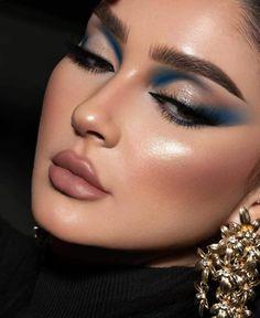 Creative Eye Makeup, Eye Makeup Art, Blue Makeup, Kiss Makeup, Pretty Makeup, Makeup Inspo, Makeup Inspiration, Makeup Looks, Elegant Makeup