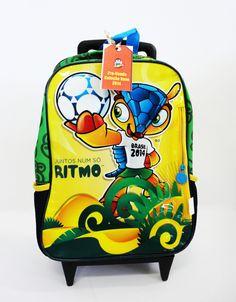 20cb540884ec Mochila com carrinho - Mascote da Copa do Mundo 2014
